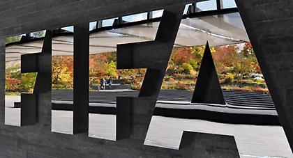 Περιορισμούς σε ατζέντηδες και δανεισμούς θέτει η FIFA