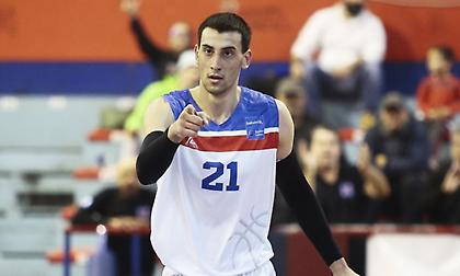 Καμπερίδης στο sport-fm.gr: «Όνειρό μου να αγωνιστώ με ελληνική ομάδα στην Ευρωλίγκα»