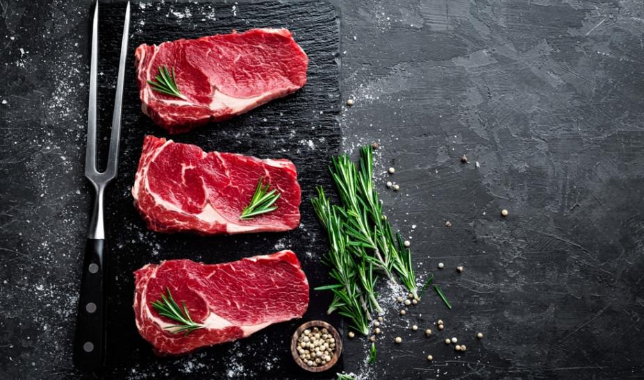 «Στα μαχαίρια» οι επιστήμονες για την κατανάλωση κόκκινου κρέατος