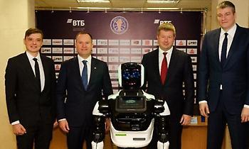 Το πρώτο ρομπότ-προπονητής είναι εδώ! (photos)