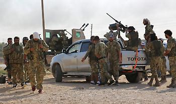 Περιοχές γύρω από δύο πόλεις στη συριακή μεθόριο στοχοποιούν οι τουρκικές δυνάμεις