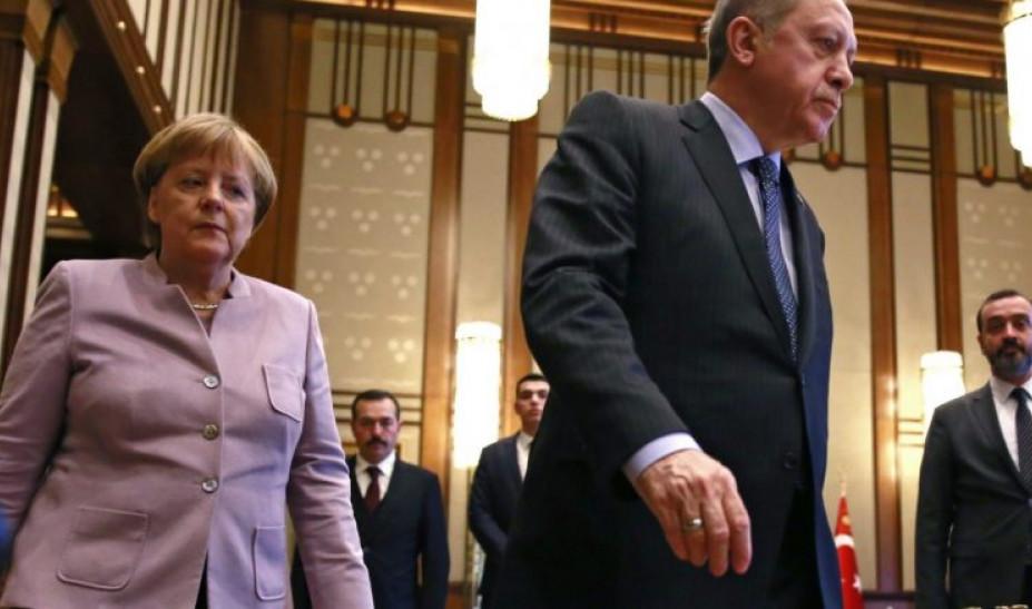 Σφοδρή αντιπαράθεση Μέρκελ - Ερντογάν: «Δεν ήξερα ότι έχεις συμμάχους τρομοκράτες»