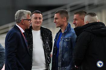 «Κράζουν» τον πρόεδρο της ομοσπονδίας οι Βόσνιοι επειδή χαιρέτισε τον Βράνιες