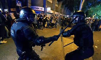Ισπανία: Εκτεταμένα επεισόδια - Πιθανές επιπτώσεις στo ντέρμπι Μπαρσελόνα - Ρεάλ Μαδρίτης