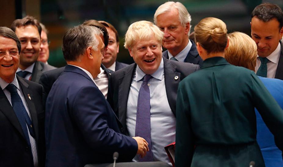 Brexit: Προς άγραν ψήφων ο Μπόρις Τζόνσον πριν από το «σούπερ Σάββατο»