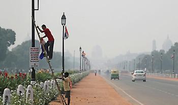 Ν. Δελχί: 40.000 μαραθωνοδρόμοι στην πόλη με την πιο μολυσμένη ατμόσφαιρα στον κόσμο (pics)