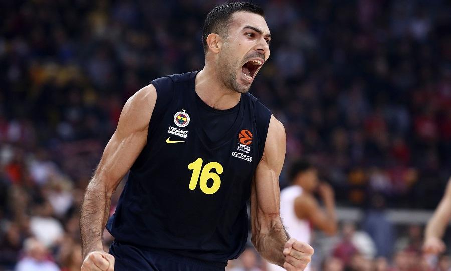Σλούκας: «Υπήρχε πρόταση από τον Ολυμπιακό, αλλά όχι αυτή που γράφτηκε. Νιώθω δικαιωμένος» (video)