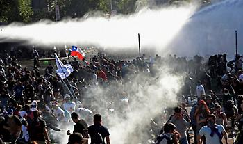 Χιλή: Στους έντεκα οι νεκροί στις ταραχές