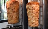Πειραιάς: Κατασχέθηκαν 250 κιλά γύρου κοτόπουλου λόγω σαλμονέλας