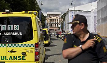 Ένοπλος άνδρας έκλεψε ασθενοφόρο στο Όσλο και έπεσε πάνω σε πλήθος