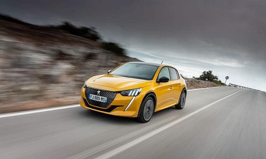 Νέο Peugeot 208: Τραβάει το βλέμμα με το «καλημέρα»