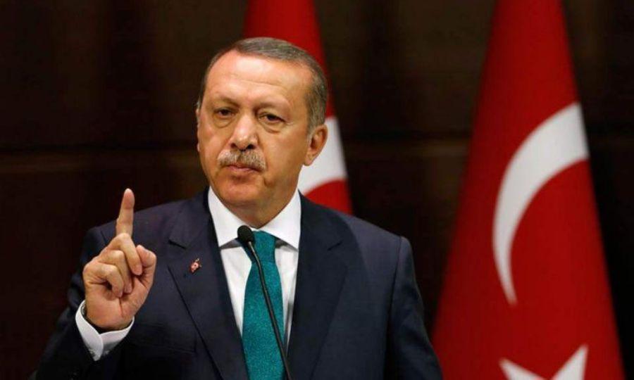 Ερντογάν κατά UEFA: «Και ο Γκριζμάν χαιρέτησε τον Μακρόν. Γιατί δεν επιβάλλετε ποινές και σε αυτόν;»
