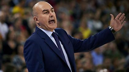 «Παίζει» το κεφάλι του ο προπονητής της Βαλένθια στο ΟΑΚΑ