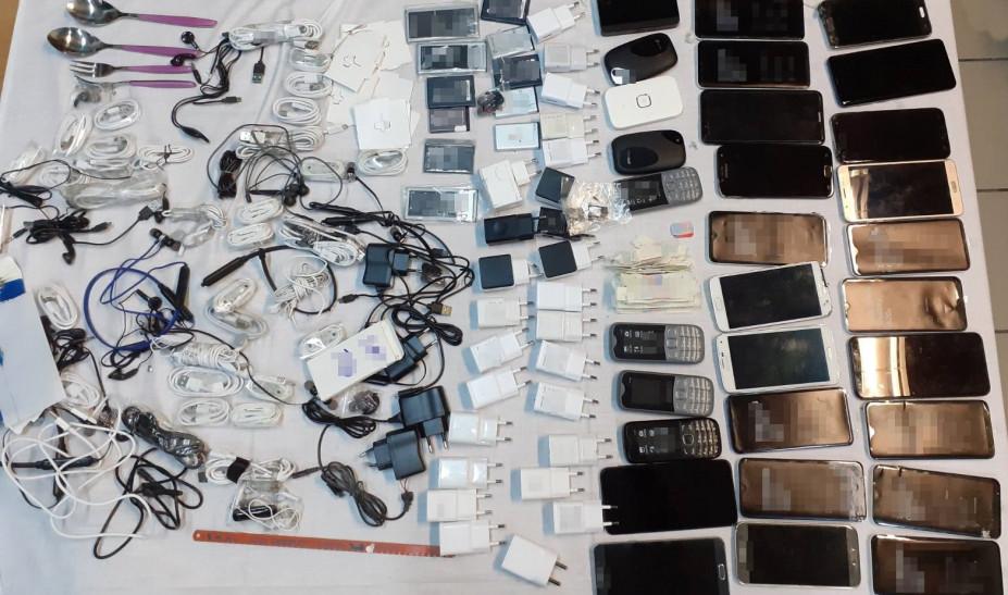 Φυλακές Μαλανδρίνου: Προσπάθησε να περάσει κινητά μέσα σε ραπτομηχανή
