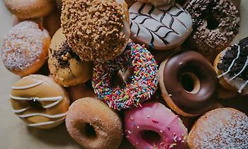 Οι 12 «πικρές» παρενέργειες που σου προκαλούν τα γλυκά!