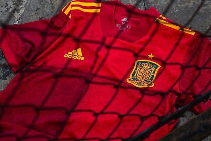 Εντυπωσιάζουν οι φανέλες Γερμανίας και Ισπανίας ενόψει Euro 2020 (pics)