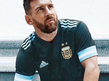 Κάτι από τα… παλιά η νέα φανέλα της εθνικής Αργεντινής
