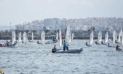 Με ιστιοδρομίες άνοιξε η αυλαία της δεύτερης φάσης του «29ου Athens International sailing week»