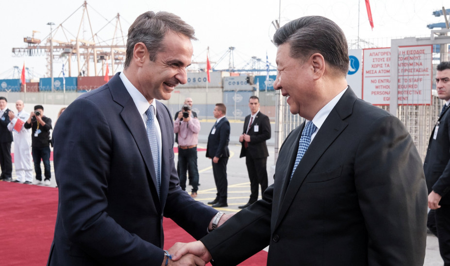 Γερμανόφωνος Τύπος: Η Αθήνα υποδέχεται τον πλούσιο θείο από την Κίνα