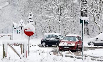 Γαλλία: Ένας νεκρός και 300.000 νοικοκυριά χωρίς ηλεκτρικό ρεύμα λόγω χιονοπτώσεων