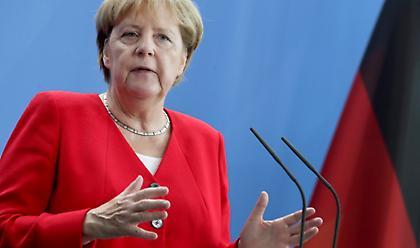 Μέρκελ: Κανένας κίνδυνος από τους ισλαμιστές που απελαύνει η Τουρκία στη Γερμανία