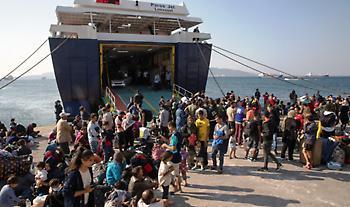 Πέντε έως δέκα προαναχωρησιακά κέντρα μεταναστών προβλέπει το σχέδιο της κυβέρνησης
