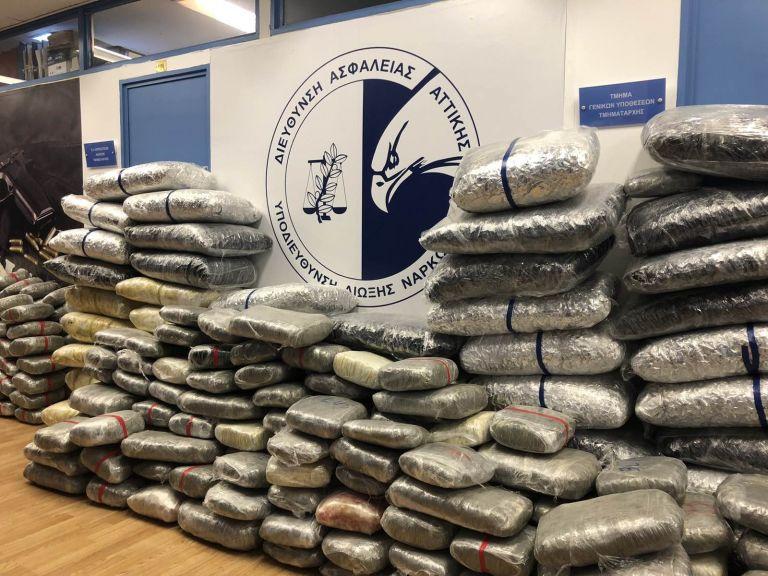 Κόρινθος: Εξαρθρώθηκε κύκλωμα ναρκωτικών με 560 κιλά κάνναβη
