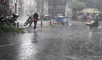 Έκτακτο δελτίο επιδείνωσης καιρού: Διαδοχικά κύματα βροχών και καταιγίδων στη χώρα