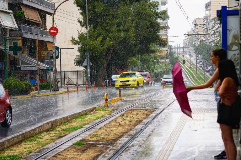 Βροχές, καταιγίδες και πρώτη της θερμοκρασίας