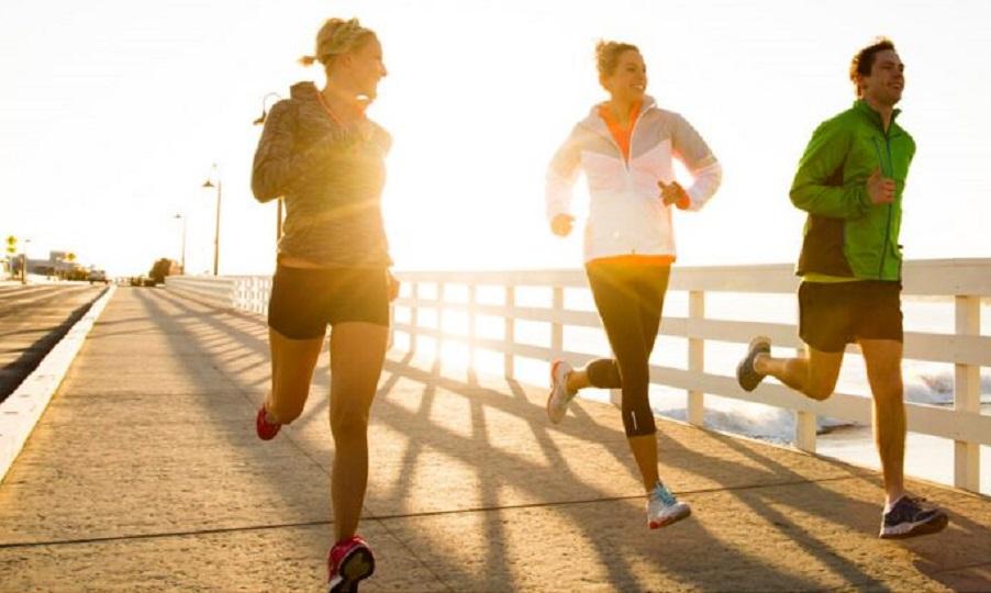 Γιατί η πρωινή γυμναστική σας βοηθάει να... παλέψετε τη μέρα;