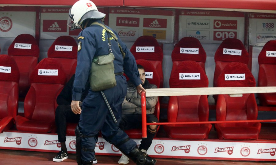 Ενώσεις Αστυνομικών Υπαλλήλων Αθηνών-Πειραιά: «Από τύχη γλίτωσε τα χειρότερα ο συνάδελφός μας»