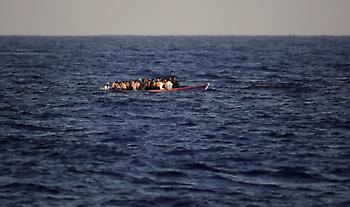 Τουλάχιστον 57 μετανάστες νεκροί σε ναυάγιο ανοικτά της Μαυριτανίας