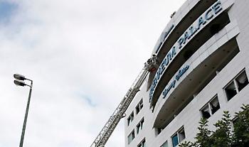 Τρεις εστίες φωτιάς σε διαφορετικούς ορόφους στο ξενοδοχείο της Συγγρού