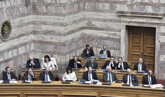 Νομοθετικός «πυρετός» στη Βουλή έως τις 18 Δεκεμβρίου