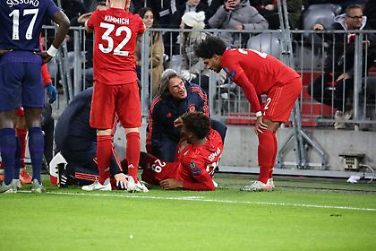 Τραυματίστηκε ο Κομάν και δείχνει σοβαρό… (video)