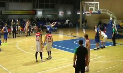 Ύποπτος αγώνας μπάσκετ στη Ρωσία με ομάδες... να μην κάνουν επιθέσεις (video)