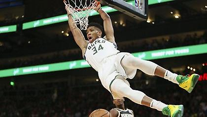 NBA.com: Ακλόνητο φαβορί ο Γιάννης Αντετοκούνμπο για το back to back βραβείο του MVP! (vids)