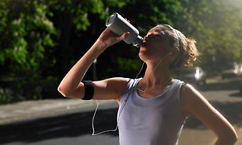 Τι συμβαίνει στον οργανισμό όταν πίνουμε νερό με άδειο στομάχι