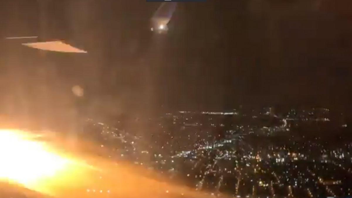 Αγωνία στον αέρα: Κινητήρας αεροπλάνου πήρε φωτιά μετά την απογείωση (Video)