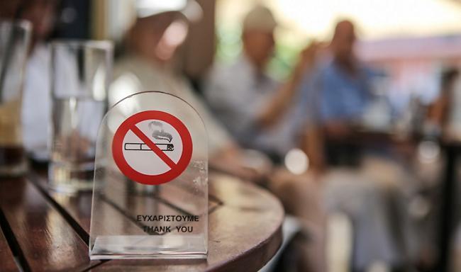 Στο ΣτΕ καταστηματάρχες για τον αντικαπνιστικό - Τι ζητούν