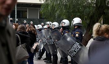 Συναγερμός ΕΛΑΣ στο Σύνταγμα: Συγκεντρώσεις υπέρ και κατά των μεταναστών