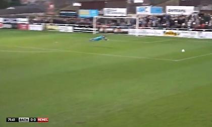 Το πιο άκυρο ποδοσφαιρικό πλονζόν που έχετε δει (video)