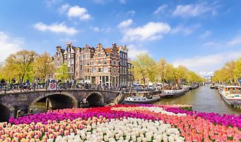 Το μάθημα του Άμστερνταμ: Γιατί διαγράφουν τα χρέη των νέων
