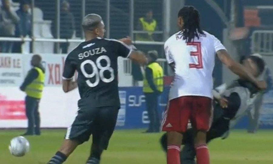 Marca: «Άλλο ένα μπλέξιμο για τον Σεμέδο»
