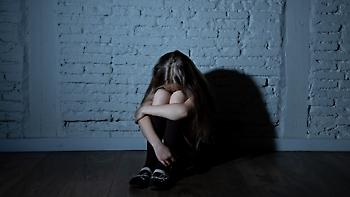 Καταγγελία: Ανάγκασαν μαθήτρια δευτέρας δημοτικού να «γλείψει» τουαλέτα