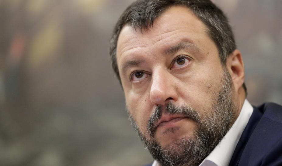 Σαλβίνι: Προσπαθεί να κερδίσει στην Καλαβρία με στόχο να ζητήσει βουλευτικές εκλογές