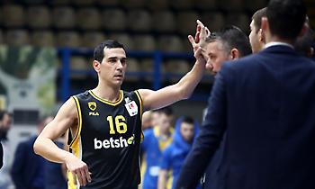 Ζήσης: «Ουτοπικό ότι η ΑΕΚ είναι έτοιμη για πρωτάθλημα»