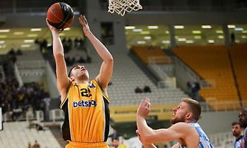 Ρογκαβόπουλος στο sport-fm.gr: «Δουλεύω καθημερινά για να γίνομαι καλύτερος»