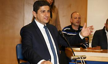Κετσετζόγλου: «Έκανε δήλωση… παρολί ο Αυγενάκης»