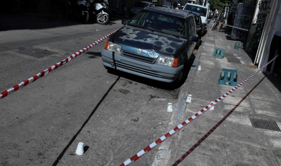 Οι έρευνες για το φονικό στη Μενάνδρου - Τα βίντεο που δείχνουν τους δράστες (video)